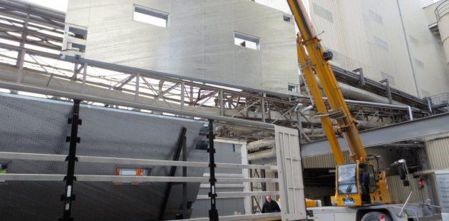 Standard-tarpaulin-weighing-unloading